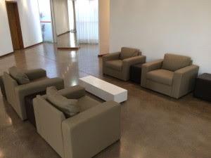 Mobiliário do salão de eventos é revitalizado