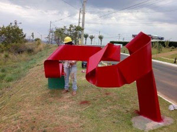 Trabalho de revitalização das esculturas é finalizado