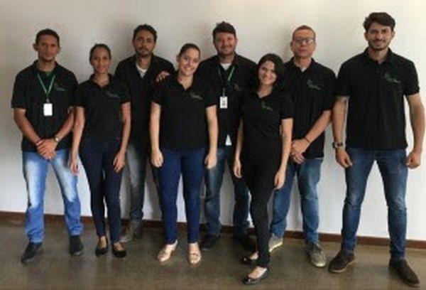 Equipe administrativa recebe novos uniformes