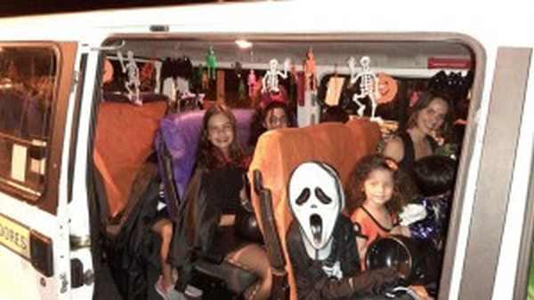 Moradores festejam Halloween no Santa Mônica